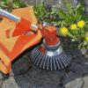 Stahlbürste im Einsatz